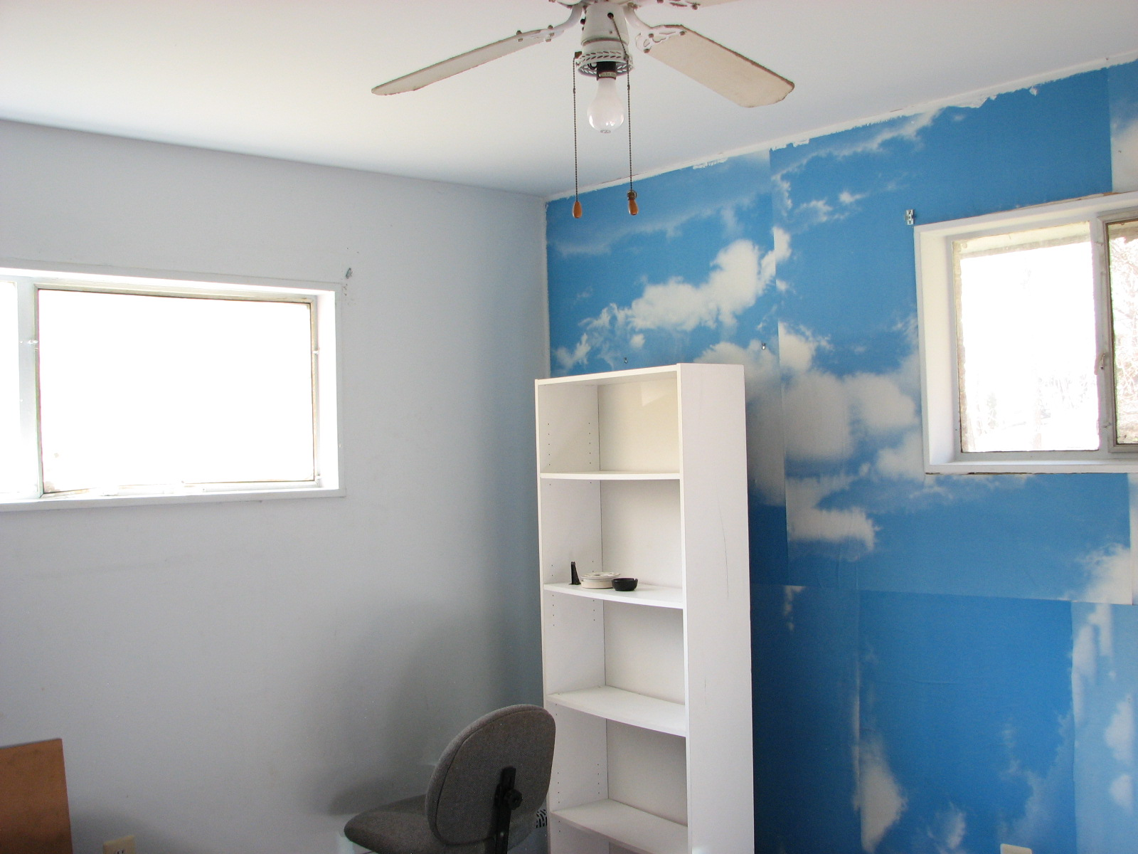 Walking out of the small bedroom and making a right  we come to the open sky  bedroom  You ve already seen it  at the top of the stairs. SuccessAmerica net   house for rent in Triangle  near Quantico